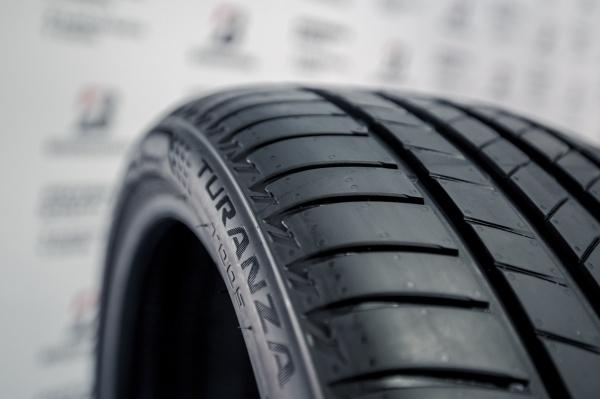 Bridgestone объявляет о выходе летних новинок Potenza S007А и Turanza T005